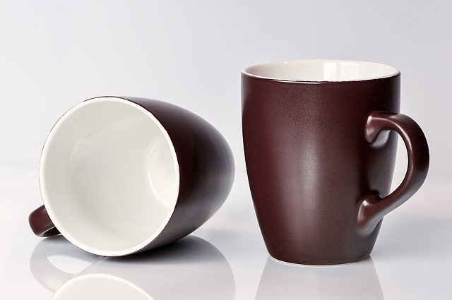 DIY Way To Clean a Coffee Mug
